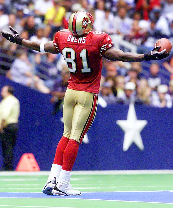 On Sept. 24, 2000, Owens celebrated a touchdown by running to midfield of Texas Stadium and posing on the Cowboys' star.