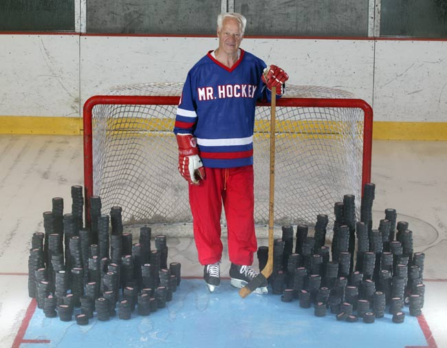 NHL great Gordie Howe (pictured here in 2005) retires after 26 seasons.