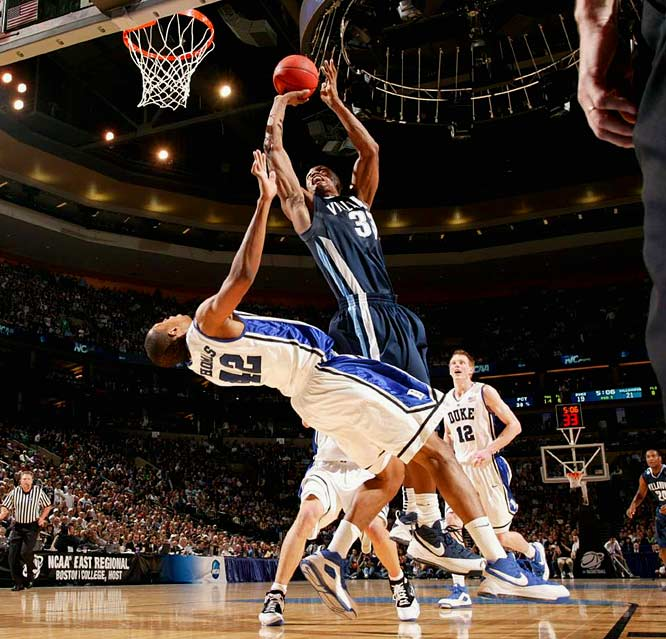 The Villanova forward spent the entire offseason honing his game, and at the 2009 tournament, it showed. He averaged 16.6 points and a team-high nine rebounds before the Wildcats fell to UNC in the Final Four.
