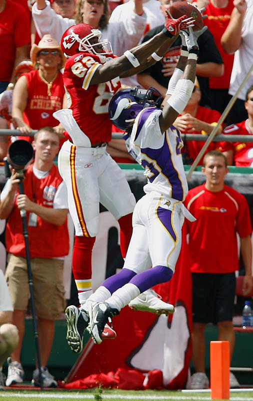 With instability at quarterback, Bowe has still made a big impact in his first two seasons (995 receiving yards in 2007, 1,022 in '08), and the Chiefs are banking on a Matt Cassel-Bowe connection over the next few seasons.<br><br>Others considered: <br>Antoine Winfield (1999), <br>Davin Joseph (2006)