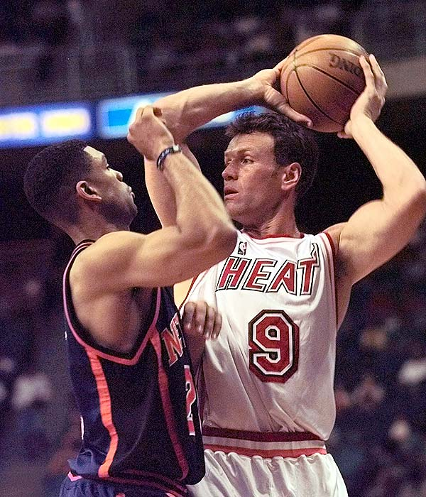 Miami's Dan Majerle became the 10th player in league history to record 1,100 career three-pointers.
