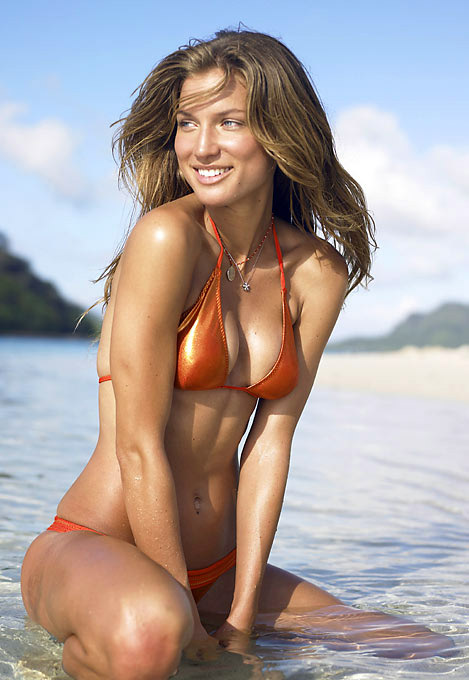 Before launching a career as an SI Swimsuit model, Snyder was a shy girl from the Midwest who gave up her soccer scholarship at Iowa State to participate in The Real World. She also took part in Real World/Road Rules Challenge: The Inferno in 2004.