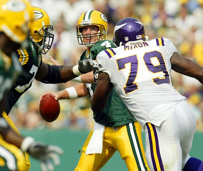 """Brett Favre nixes retirement talk, saying, """"I have every intention of coming back."""""""