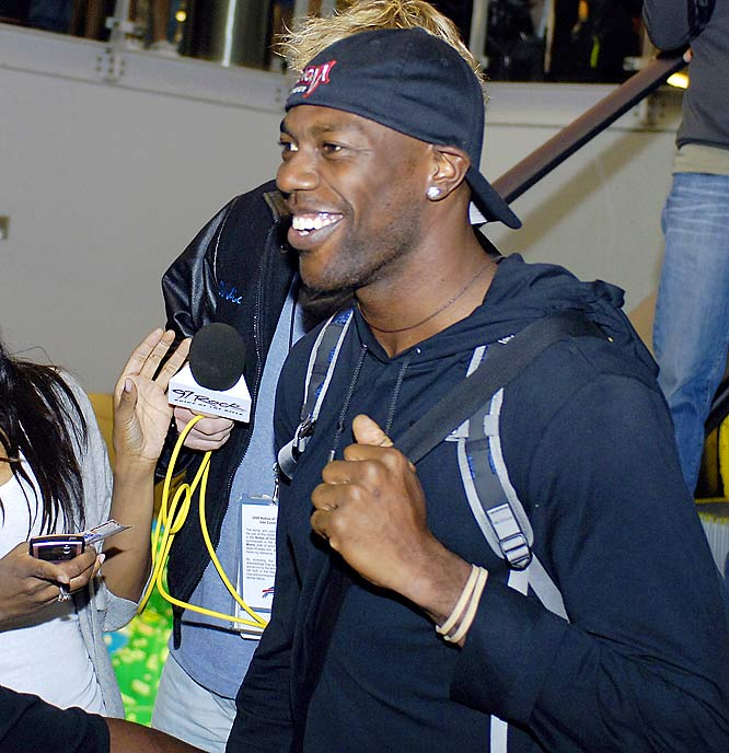Terrell Owens is attending the Buffalo Bills voluntary minicamp this week and the buzz is noticeable. Fans greeted him at the airport and reporters and cameramen monitored his workout with teammates. Owens signed a one-year, $6.5 million contract with the Bills in March, a few days after the Dallas Cowboys released him.