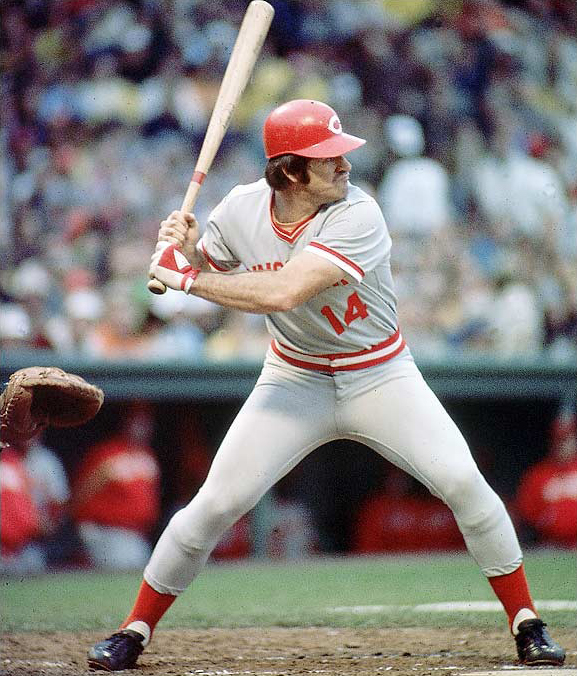 Cincinnati's Pete Rose registers his 3,000th major league hit.