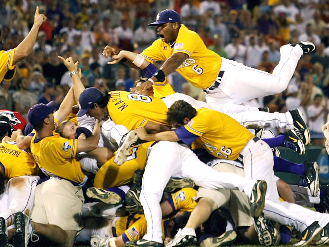 LSU won its sixth national title, breaking open Game 3 with a five-run sixth inning that carried them to an 11-4 victory over Texas.