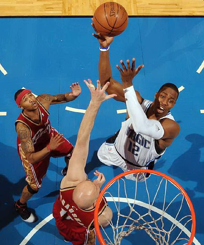 Dwight Howard threw down on the Cleveland Cavaliers and ruined the so-called dream NBA Finals matchup between Kobe Bryant and LeBron James as the Orlando Magic advanced to the second championship series in franchise history.