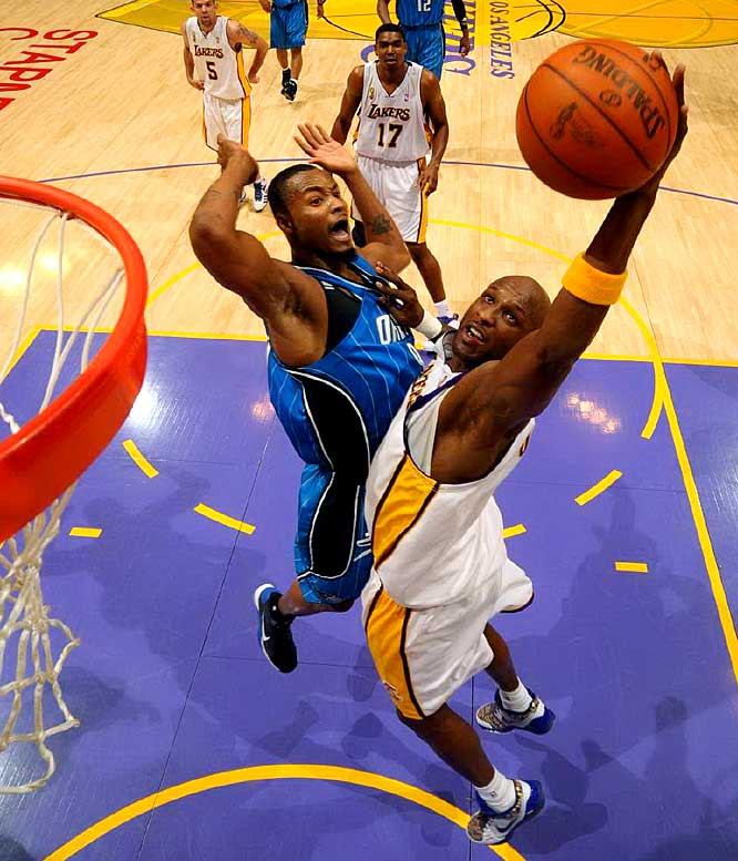 Lamar Odom scored 19 points on 8-of-9 shooting and added eight rebounds off the bench for L.A.