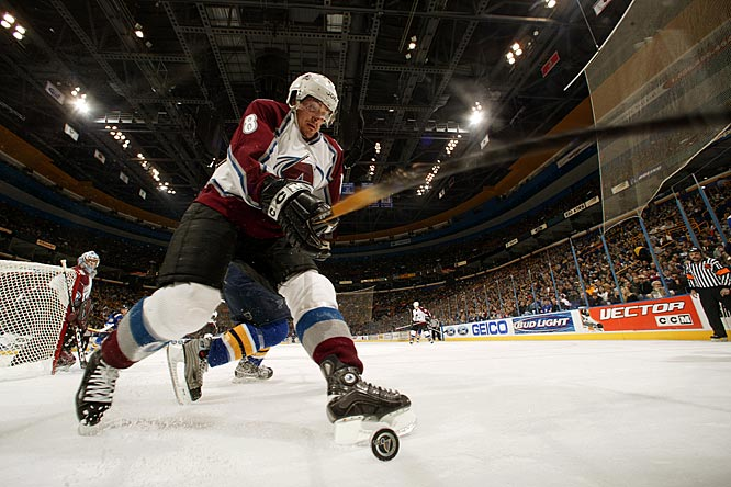 The feared goal-scorer accepted one year at $5.8 million from Colorado in a stated quest to win the Stanley Cup with his old Ducks buddy Paul Kariya. Skating on a bad knee, Selanne scored career lows of 16 goals and 32 points as the Avs fell in the second round of the playoffs. After the 2004-05 lockout, he returned to the Ducks.