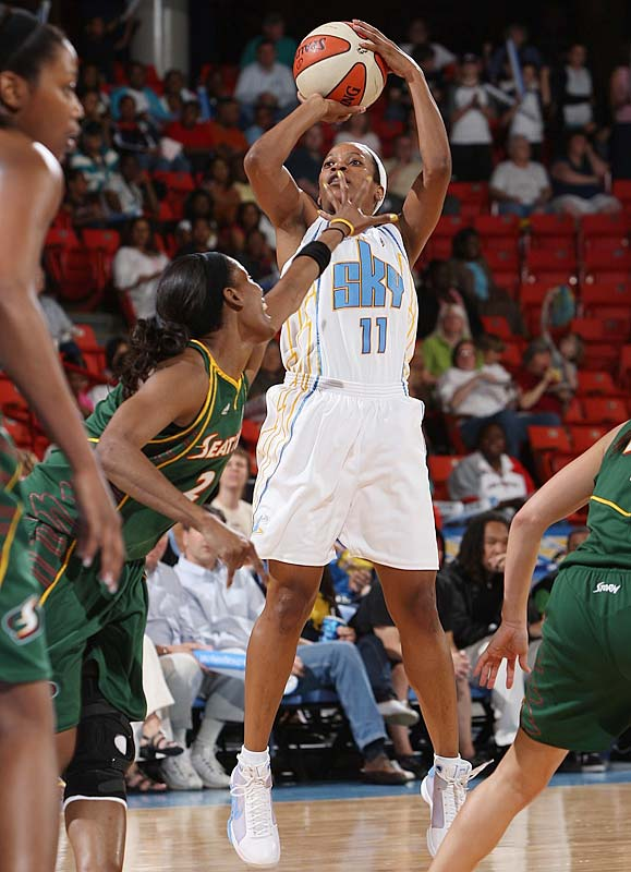 The Sky is soaring thanks to the hot hands of Jia Perkins (pictured) and Candice Dupree. Perkins averaged 21.7 points on 51.3 percent field-goal shooting in wins over the Dream, Storm and Sun, and Dupree averaged a team-high 19.3 points on 44.9 percent shooting during the W's first week en route to conference Player of the Week honors. <br><br>Next three: 6/19 at Connecticut; 6/20 at Washington; 6/23 at Atlanta