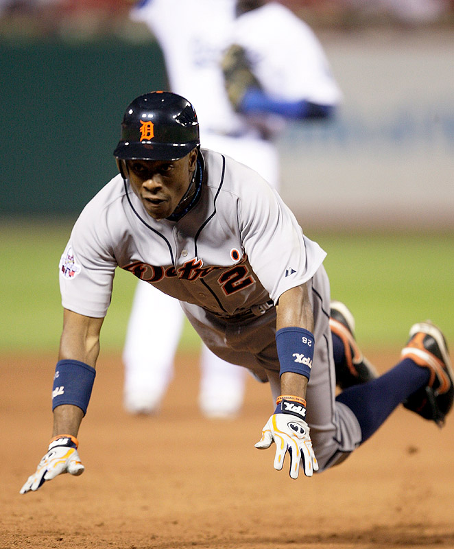 Curtis Granderson tripled and later scored the game-winning run in the eighth inning on Adam Jones's sacrifice fly.