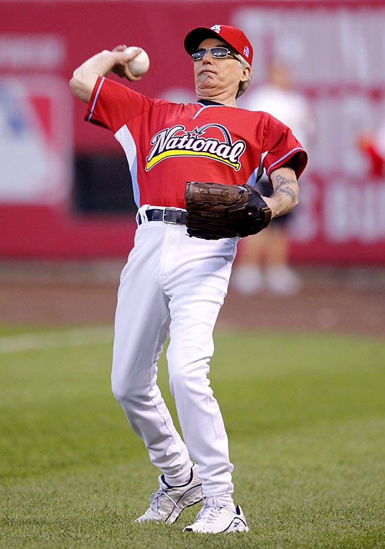 Actor turned rocker Billy Bob Thornton played second base for the victorious National League team.