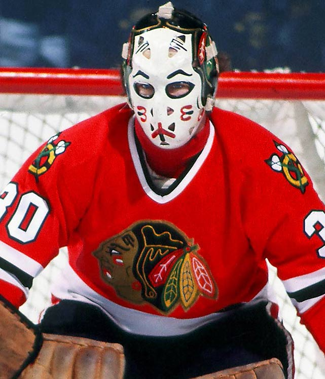 This kabuki-style mask surrounded by a three dimensional Hawk's logo must have spooked some opponents, particularly with its emphasis on the eyes.