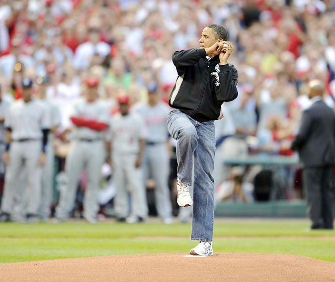 Barack Obama, a longtime White Sox fan, throws out the ceremonial first pitch of the 2009 All-Star game.
