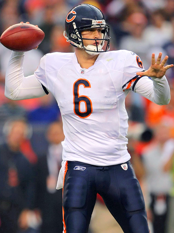 After a slow start, Jay Cutler engineered two scoring drives in the first half. On the day, he finished with 144 passing yards and one touchdown.