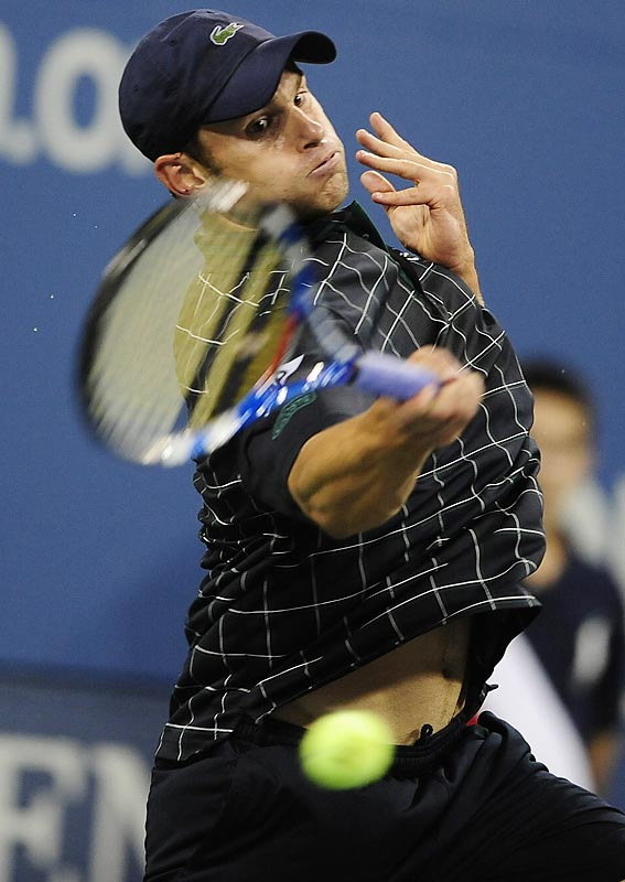 Roddick didn't begin his match until after 11 p.m. ET on opening day, but he was sharp from the start in a 6-1, 6-4, 6-2 victory against Bjorn Phau. He finished with 13 aces and connected on 81 percent of his first serves.