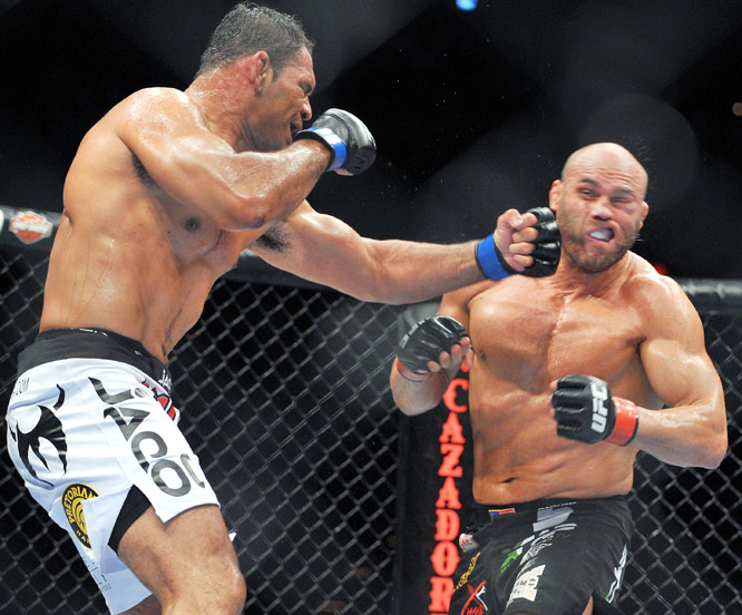 Antonio Rodrigo Nogueira defeated UFC hall of famer Randy Couture in a heavyweight battle at UFC 102. The main-event fight lasted the full three rounds before Nogueira was awarded the victory by unanimous decision.