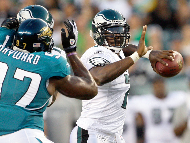 Vick completed a key pass to set up a field goal on his fourth play. With Vick under center, the Eagles scored 3 points.