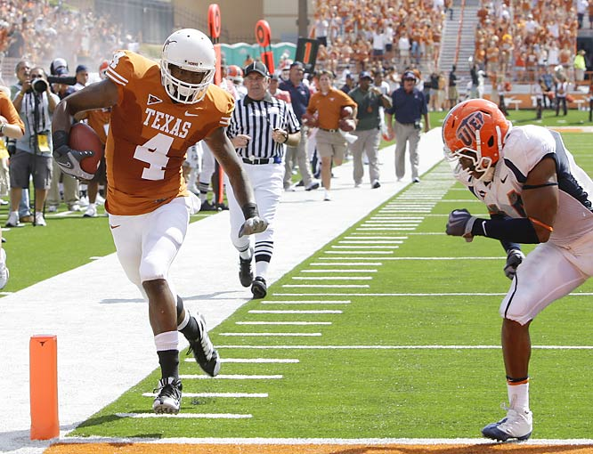 Dan Buckner scored twice while making five receptions for 67 yards in the Longhorns' fourth consecutive victory this season.