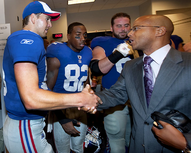 Giants general manager Jerry Reese made sure to congratulate Manning after another clutch performance.