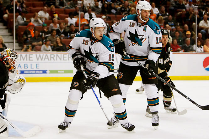 The Senators received forwards Jonathan Cheechoo, Milan Michalek, and a 2010 second-round pick from the Sharks in exchange for Heatley.