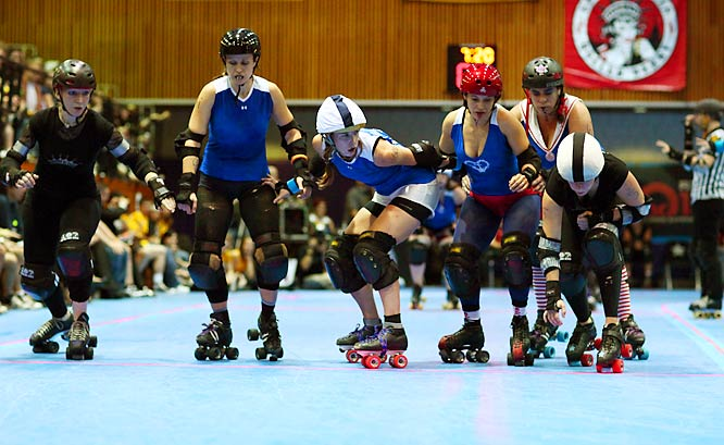 Welcome to Gotham Girls Roller Derby, where some of the toughest girls in New York battle it out on the flat track. Thousands of fans pack it in each night to see two of the league's six teams vie for glory. And on Sept. 26, they got quite a show as the Brooklyn Bombshells (blue) breezed past the Queens of Pain.