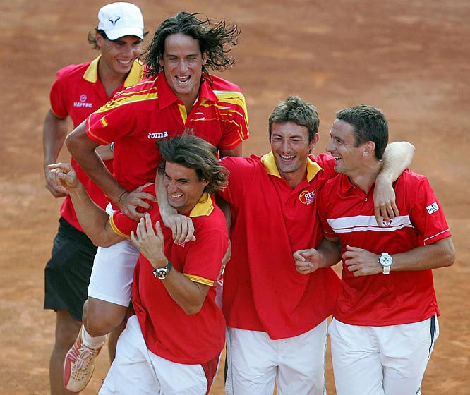 This year's tournament is still in progress, but fans are already licking their chops for the first round of next year's World Group. Just days after the Czech Republic and defending champion Spain coasted in their respective semifinal ties to advance to December's final, Switzerland drew the Spanish in next year's first round -- setting up a potential showdown between Roger Federer and Rafael Nadal.