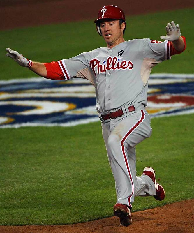 Chase Utley scores on Ryan Howard's double in the fifth.