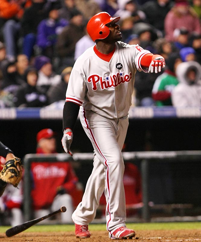 Ryan Howard's sacrifice fly in the top of the ninth scored Jimmy Rollins, the game's eventual winning run.