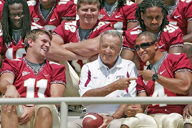 Bobby Bowden jokes around with Tony Carter and Drew Weatherford while waiting to have the team photograph taken.