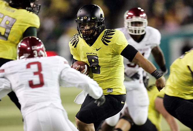 Jeremiah Masoli threw for 116 yards and a touchdown and ran for another score before sitting out the second half in No. 16 Oregon's 52-6 victory over Washington State on Saturday night.