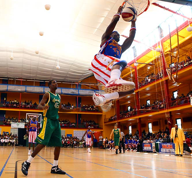 As usual, the Globetrotters had their way with the Generals -- --the final score would be 84-65.