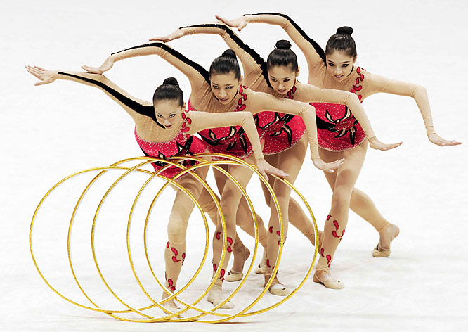 Members of Liaoning Province team compete during the five-ring exercise of the adult group competition at the 11th Chinese National Games in Dezhou, east China's Shandong Province. Liaoning Province claimed the title with a total of 111.455 points.
