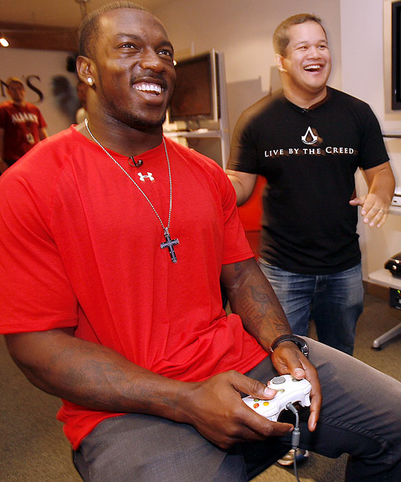 No stranger to dominating his opponents, Willis attacked Assassin's Creed II back in September at the Ubisoft headquarters in San Francisco.
