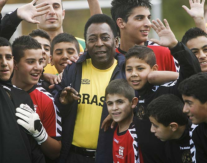 If Chicago had Oprah, Rio de Janeiro had one of the best soccer players to ever put a pair of cleats on.  Pele posed with everyone from schoolchildren to board members.