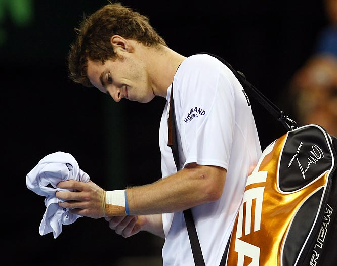 <i>Our weekly Friday look at newsmakers in the tennis world.</i><br> <br>The most important left wrist in Great Britain remains a problem for Murray. The third-ranked Scot announced his withdrawal from next week's Japan Open on Thursday, citing more recovery time as a reason. Murray struggled with the injury in his loss to Marin Cilic in the fourth round of the U.S. Open last month, bringing an anticlimactic ending to what had been a strong summer on the hard courts. No timetable has been set for his return.