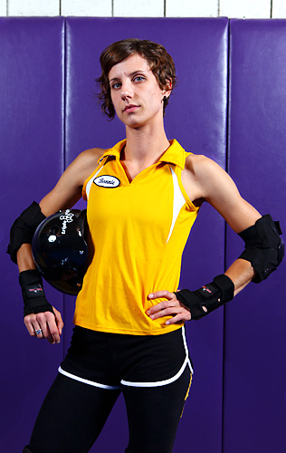 Bonnie Thunders is a three season veteran and All-Stars Captain skating the Blocker and Jammer positions.