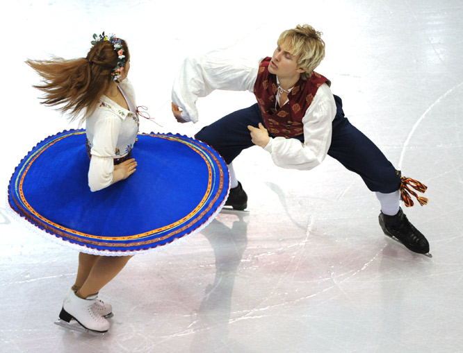 Caitlin Mallory and  Kristjan Rand of Estonia skate their ice dance original program on Nov. 14 during Skate America, the 2009 ISU Grand Prix of Figure Skating Series, in Lake Placid.