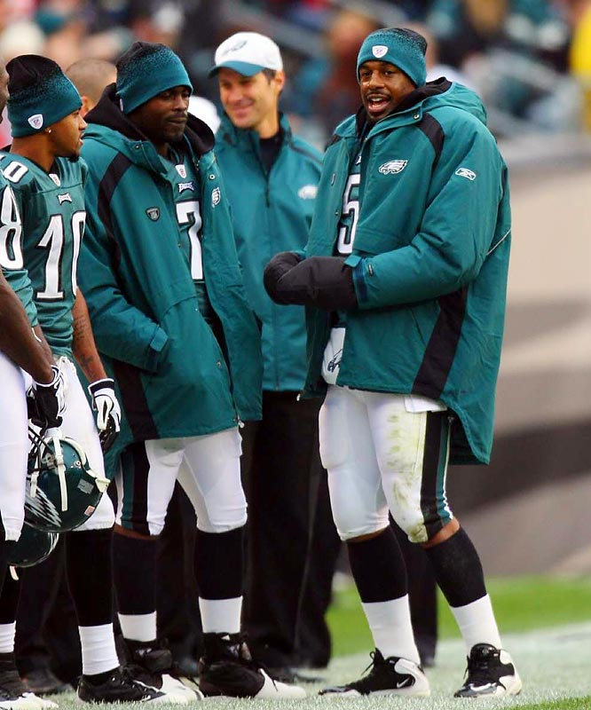 After missing two games with broken ribs, McNabb has led the Eagles to three wins in four games, throwing seven touchdown passes in the process.