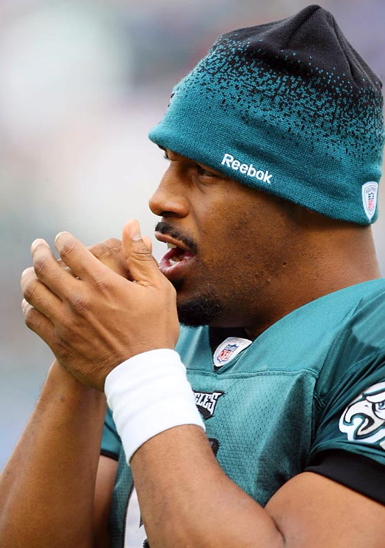 In the latest of a series of galleries looking at NFL players outside the huddle, SI's photographers focused on Donovan McNabb during the Eagles' recent win over the Giants.