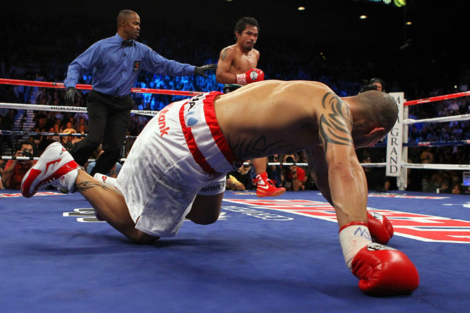 After the ninth round, Cotto's wife and young son, who sat in the front row, left the arena, unable to watch him absorb any more punishment.