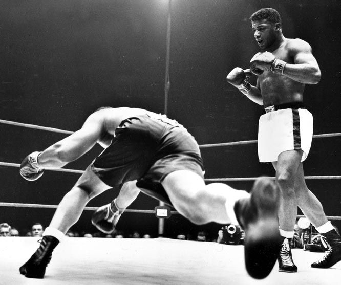 Floyd Patterson beats Archie Moore for the world heavyweight championship and becomes the youngest world heavyweight champion in history, at the age of 21 years and 10 months. He was the first Olympic gold medalist to win a professional heavyweight title.