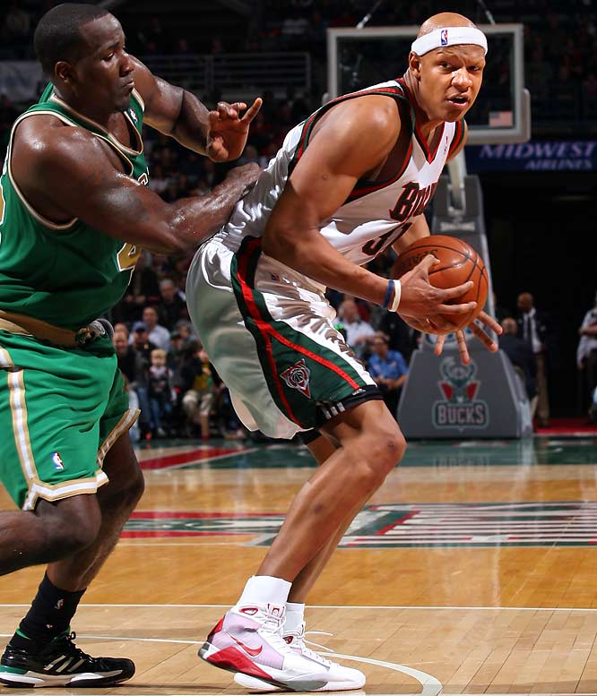 Villanueva tweeted during halftime of a Bucks-Celtics game that he needed to step up in order for his team to win.  While Villanueva did turn the game around, scoring a team-high 19 points, coach Scott Skiles banned Bucks players from Tweeting during games.    ''In da locker room, snuck to post my twitt. We're playing the Celtics, tie ball game at da half. Coach wants more toughness. I gotta step up.''