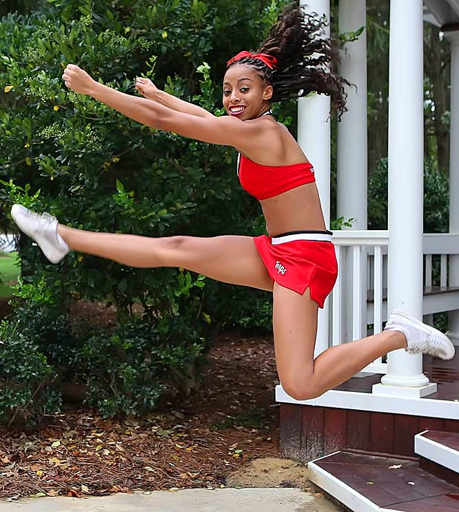 Meet Kendra, a junior at Maryland. Kendra is obsessed with Janet Jackson and wants to try out sky diving.  She also has a celebrity crush on Prince.<br><br>Want to find out more? <br>Click the '20 Questions' link below.