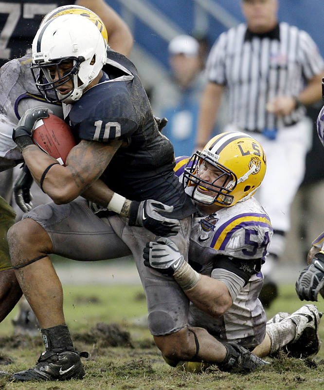 Andrew Quarless (left) caught eight passes for 88 yards as No. 11 Penn State emerged from the muck for a thrilling win. Penn State coach Joe Paterno got his record 24th bowl win and handed Les Miles his first loss in five bowls as LSU coach.