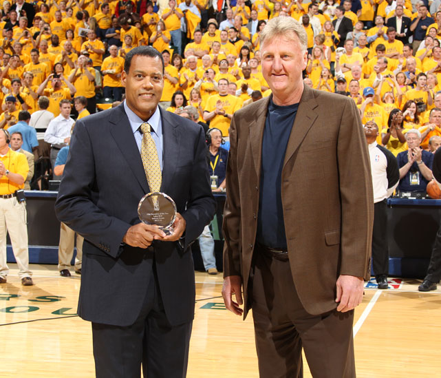 Stu Jackson presents Bird with the NBA Executive of the Year Award before Game 3 of the Eastern Conference semifinals between the Pacers and Heat.