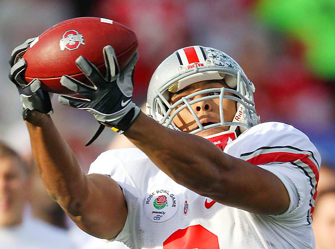 Ohio State running back Brandon Saine catches a pass against Oregon during the Buckeyes 26-17 victory in the Rose Bowl.