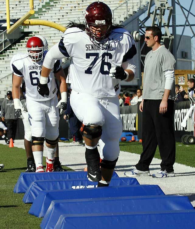 Virginia Tech's Ed Wang runs drills during North squad practice at the Senior Bowl.