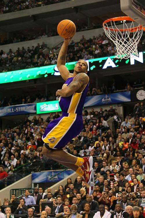 But even with Kobe, Brown didn't make it past the first round.