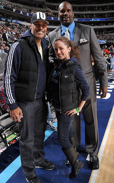 "Shaq posed with former Laker Rick Fox and his new significant other, actress Eliza Dushku (think cheerleader movie ""Bring It On"")."
